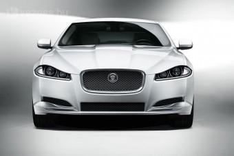 A Jaguar lenyomná a BMW-t