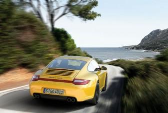 Beleerősít a 4x4-es Porsche 911