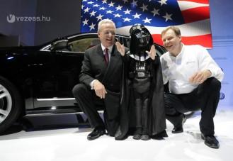Darth Vader indította be a VW új gyárát