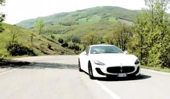 Egy perces főhajtás az olasz V8-as előtt