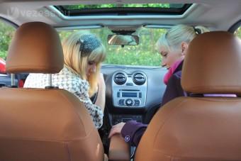 Kicsi, drága női autók: melyik a nyerő?