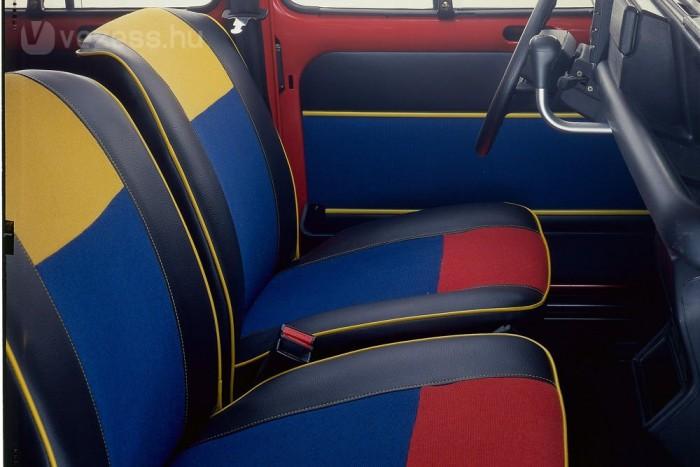 1985-től 2200 db készült a tarka belsejű Sixties szériából, dupla napfénytetővel