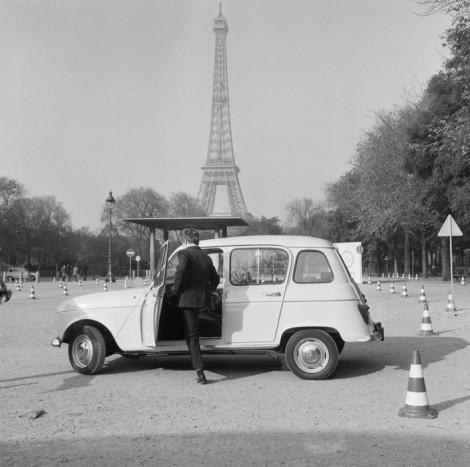 A VW Bogárhoz és a Citroën Kacsához hasonlóan zseniális autó született, sziluettje ugyanolyan jellegzetes, mint a másik két népautóé
