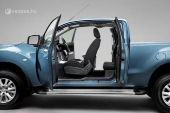 Itt a szekrényajtós Mazda terepjáró