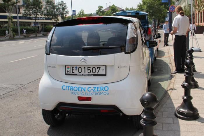 2-3 liter benzin árából tesz meg 100 kilométert a C-Zero és két testvére