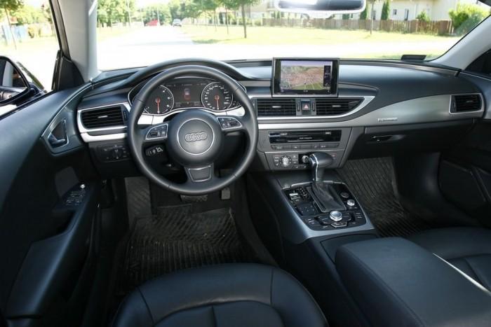 Ergonómiában az Audi - szerintünk - veri a másik két nagy német presztízsmárkát