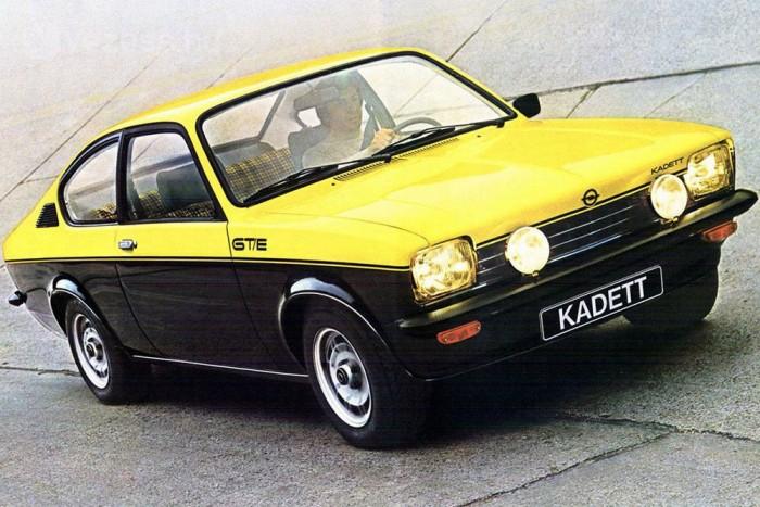 A Rallye és GT/E modellek először 1,9, majd 2,0 literes befecskendezős motorral készültek