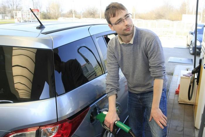 Belgiumban a legdrágább az üzemanyag, de francia, olasz és német kutakon is fáj tankolni