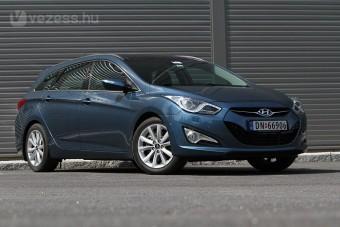 Új cégautó Koreából, sok extrával: Hyundai i40