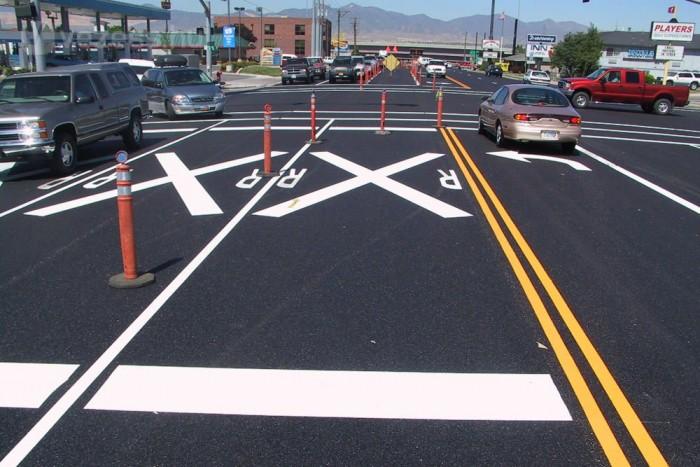 Szükség lehet az útburkolati jelek megújítására, és újak kitalálására is