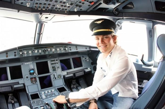 Rosberg kapitány az AirAsia Airbus 380-asán