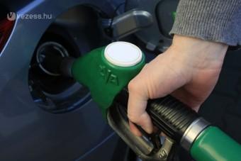 Újra csúcson a benzin ára