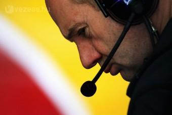 F1: Adrian Newey berágott