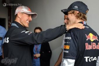 F1: Schumi örömmel adná a trónját Vettelnek