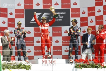 F1: Ferrari-siker a diffúzorvita árnyékában