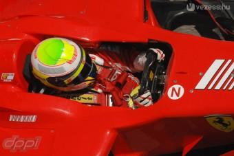 F1: Szélvédő-törésteszt 220 felett