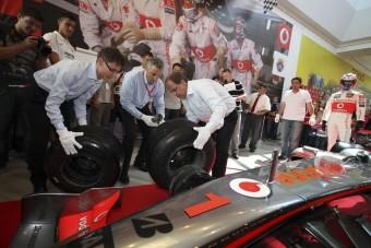 F1: Kerékcserét gyakorolt a polgármester