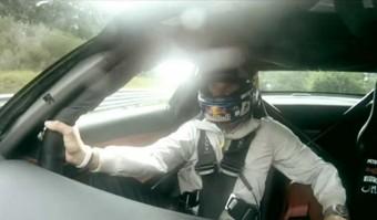Coulthard halálra rémült Rosberg utasaként