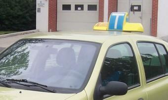 Börtön a vizsgáért pénzt kérő autós oktatónak