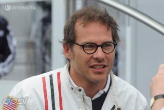 Villeneuve megvédte Schumachert