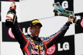 F1: Vettel elnyeli a nyomást, mint a szivacs