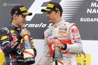 Button: Vettelnek könnyű dolga van