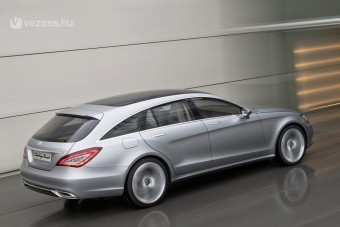 Kis sportkombival bővít a Mercedes