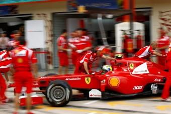 Több csapatrádiót akarnak az F1-rajongók