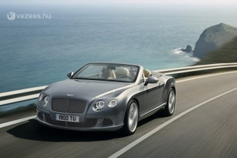 Bentley luxuskabrió újratöltve