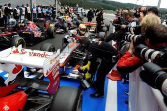 F1: Hamilton megúszta, csak Maldonadót büntették
