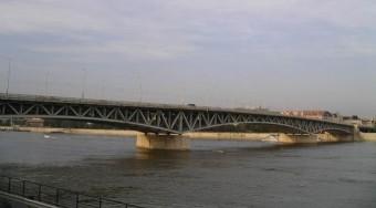 Torlódás várható a Petőfi hídon