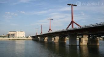Festik a Rákóczi (Lágymányosi) hidat