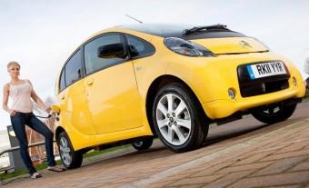 Töltőgyártóval közösködik a Peugeot