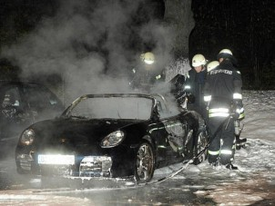 Vallott a berlini autógyújtogató