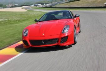 Saját Ferrarit kap Alonso