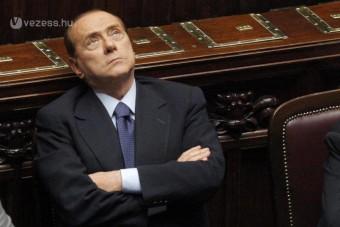 25 éves Escorttal vigasztalódik Berlusconi