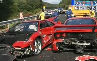 Nyolc Ferrari tömegbalesete Japánban