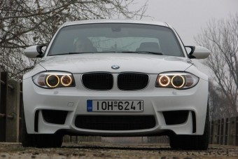 Versenypályán és közúton kínlódtunk a BMW-vel
