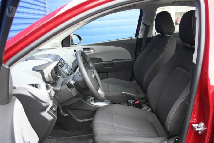 Kényelmesek az első ülések, az Aveo kelti a legfelnőttebb benyomást a három autó közül