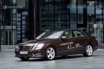 Két új hibrid a Mercedestől