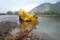 Mai napig lenyűgöző ereje van egy V12-es öreg orosz traktornak 1