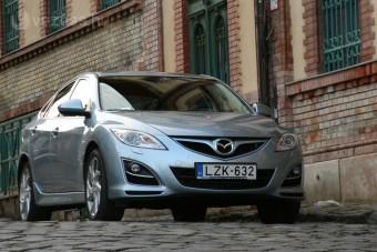 Miért nem vesznek benzines Mazda6-ot?