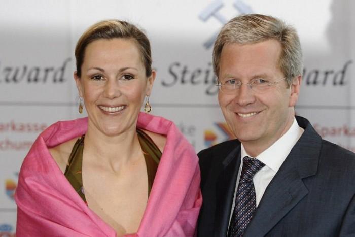 Bettina és Christian Wulff, a német elnöki pár. A first lady is rendelt egy Q3-ast