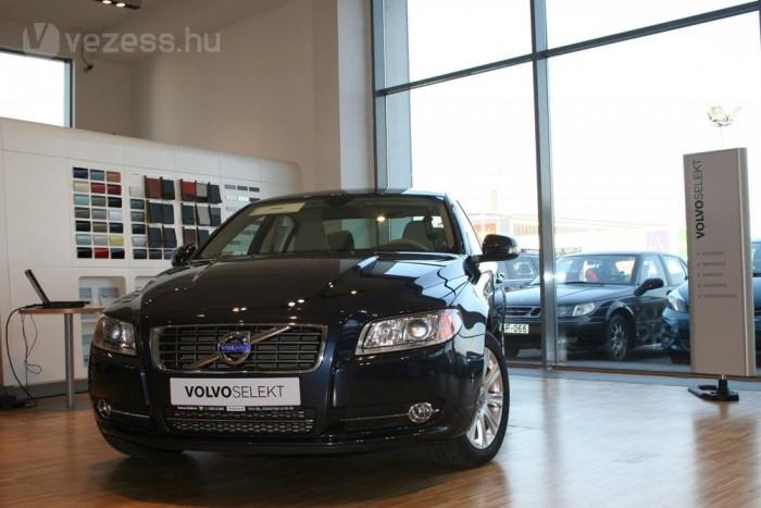 Összesen 100 pontot érintő átvizsgálás után kaphat egy használt Volvo Selekt minősítést