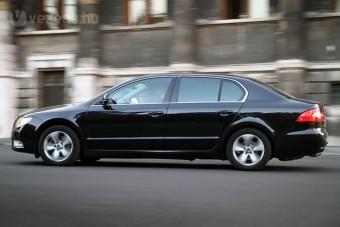 Évi 54 milliót költenek a BKV-vezetők autóira
