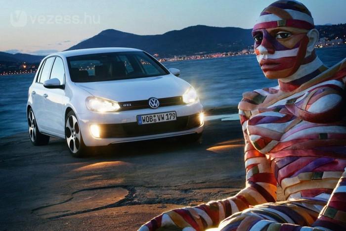 A Jettával együtt a Golf biztos első lehetett volna, de a VW külön típusként kezeli őket