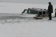Túl látványosra sikerült a jégen pörgés 1