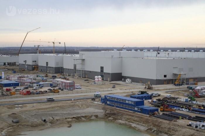 Összesen 160 ezer köbméter betont és 35 ezer tonna acélt használtak fel az építéshez