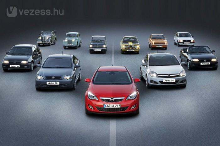 Az Opel kompakt autóinak 10. generációja a J Astra, az 1936-ban bemutatott első Kadettet is beleszámolva. Gyártósorát háborús jóvátétel címén elkommunizálták a szovjetek és a Kadettel megegyező Moszkvics 400/420-at gyártották rajta. 1962 és 1991 között készültek a Kadettek A-tól E-ig, a sorrendet az Astrák is követték, mert a Kadett Nagy-Britanniában végig Vauxhall Astraként futott