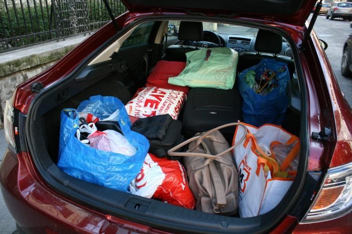 13,5 táska és óriásszatyor. Két gyerekbicikli még simán elférne